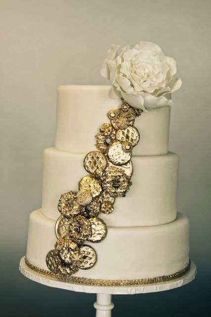 Golden Treasure Desserts Sweet Amp Saucy Wedding Cake