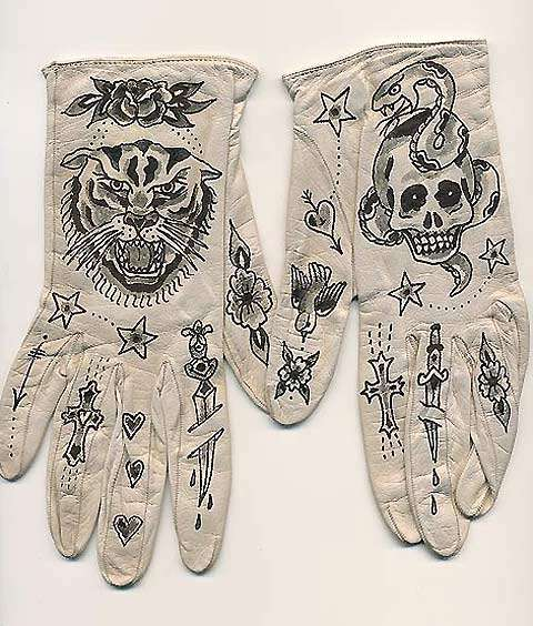 Pirate-Painted Gloves