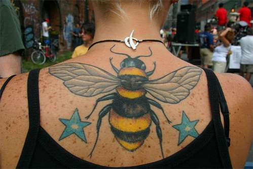 by Tora Tattoo in Canada, the same artist who did ukulelezo's bee tattoo