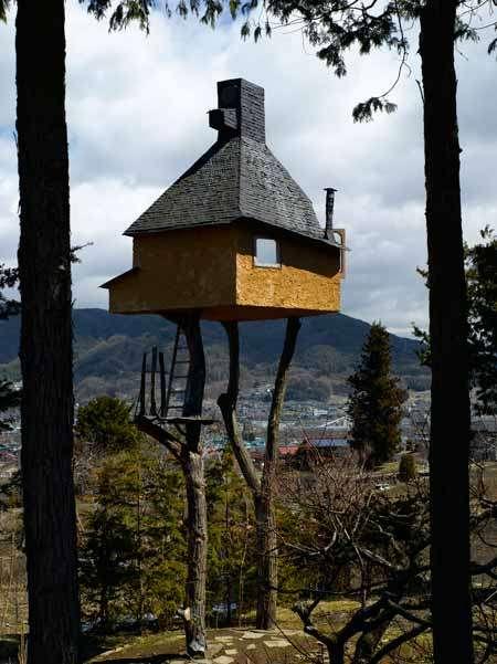tea houses on stilts terunobu fujimori designs the takasugi an in japan. Black Bedroom Furniture Sets. Home Design Ideas