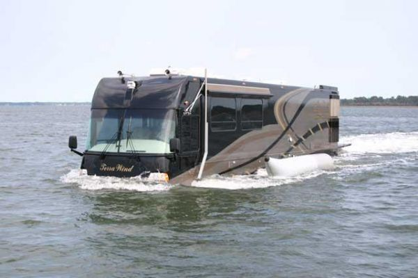 RV-Yacht Hybrid Vehicles