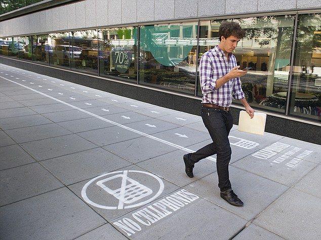 Awareness-Raising Text Lanes