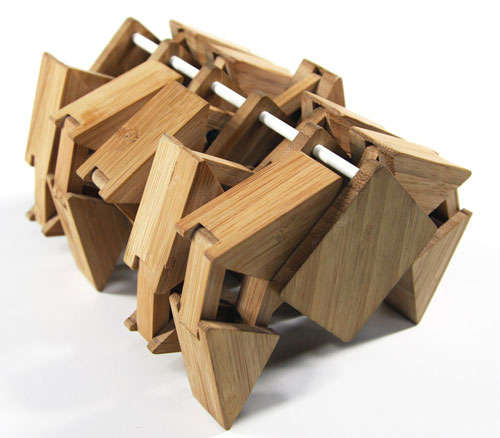 Desktop Bamboo Walking Machine