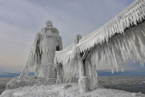 Iced-Over Lighthouse Photography