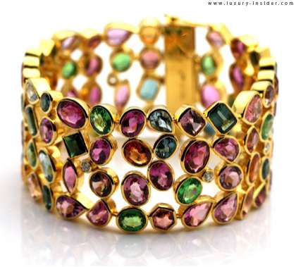 Chromatic Crown Rings