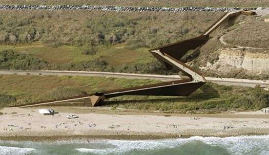 Trestles Beach footbridge
