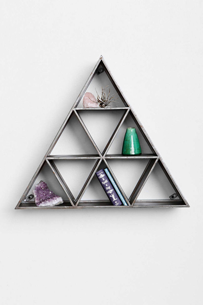 Stacked Pyramid Storage