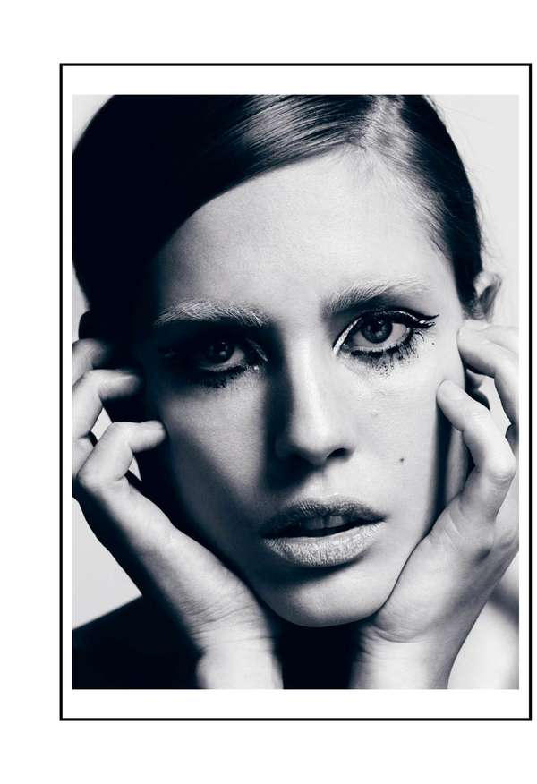 On Point Twiggy Editorials