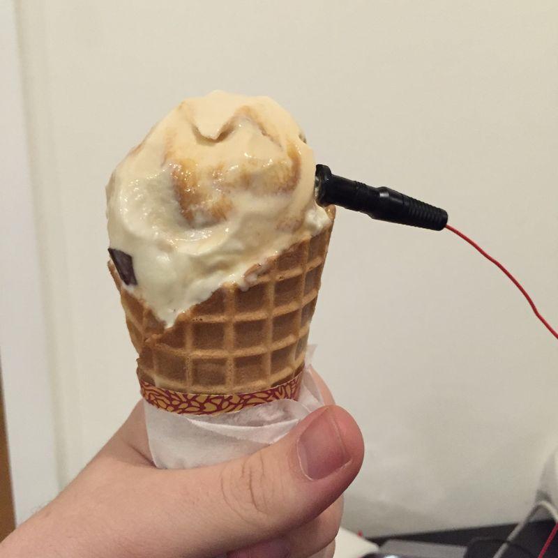 Tweeting Food Sensors