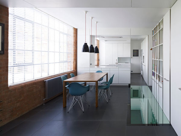 Minimalist Transparent Floors