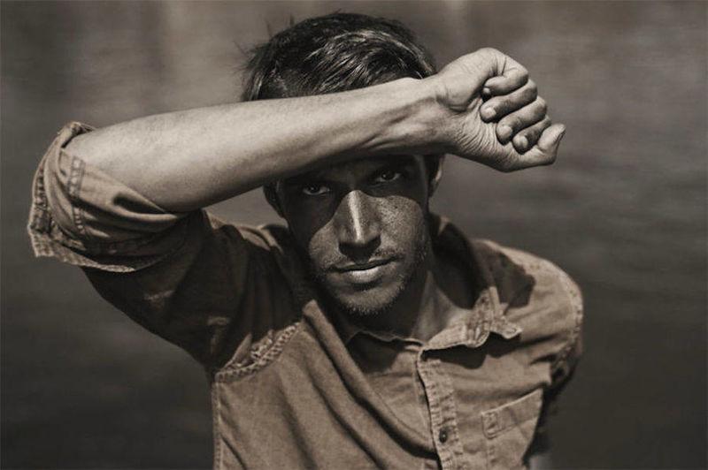Colorless Ultraviolet Portraits
