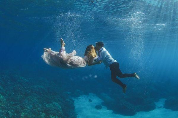 Underwater Engagement Photos