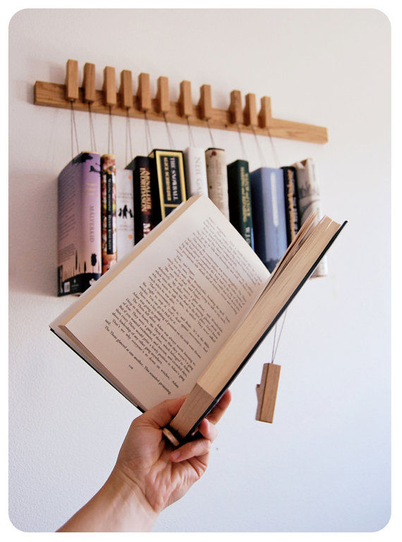 Book-Dangling Shelves