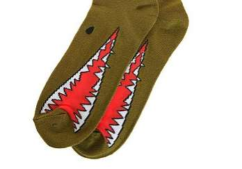 urban outfitters monster socks
