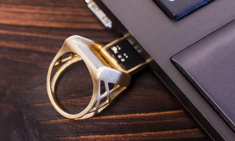 Flash drive rings usb port design
