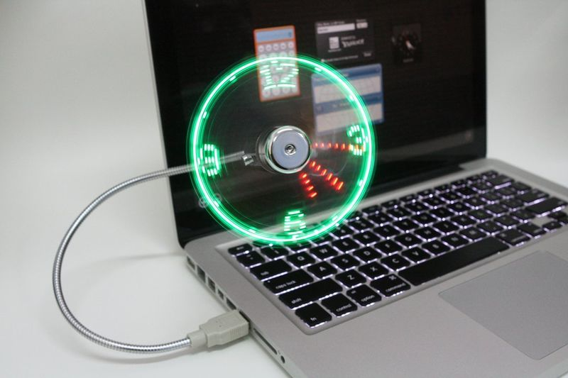 Illusionary USB Clocks