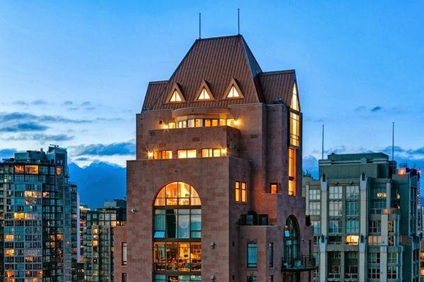 Otherworldy Triple-Level Penthouses