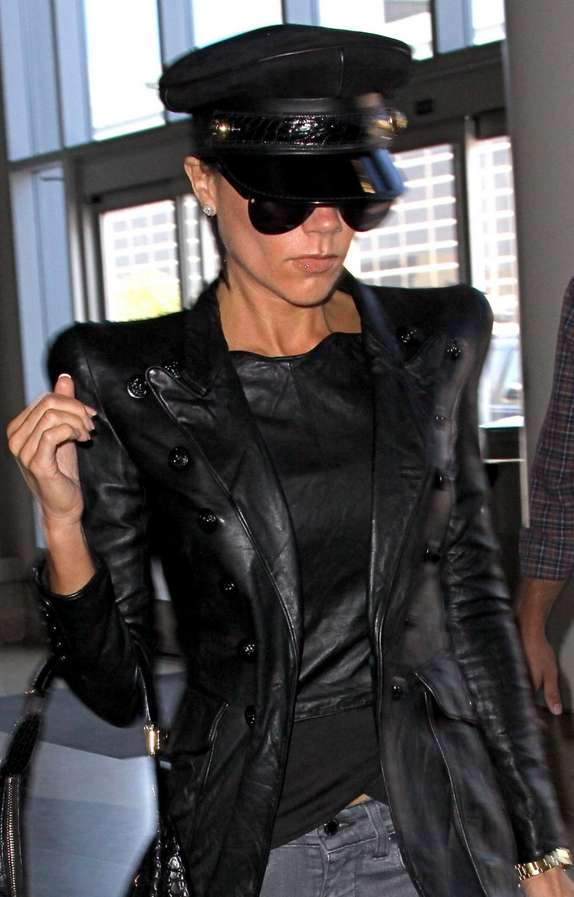 Sharp Shoulder Leather Victoria Beckham Flies In Black