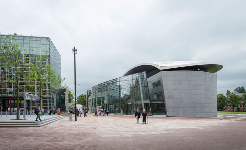 Glass-Enclosed Museum Facades