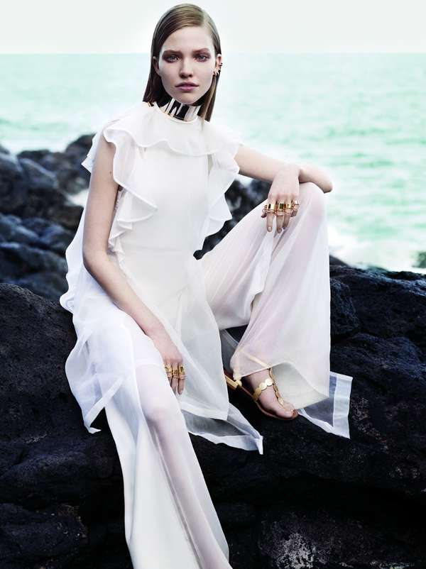 Elegantly Sultry Seaside Editorials
