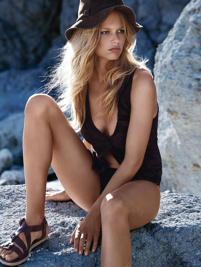 Safari Surfer Editorials
