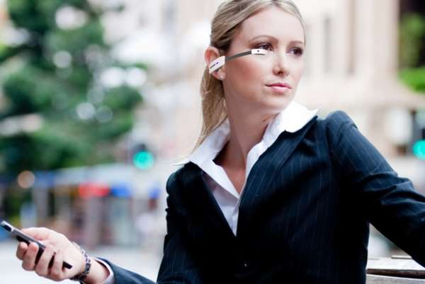 Smartphone-Connected Eyewear