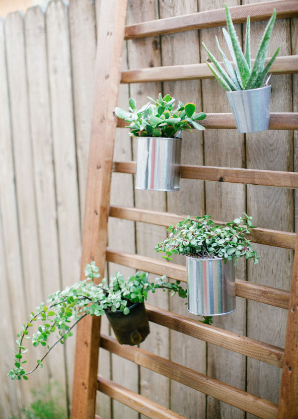 DIY Outdoor Wall Accents