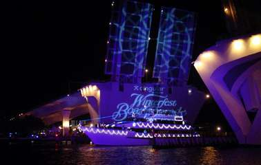 Worlds Largest Illuminated Boat Parade