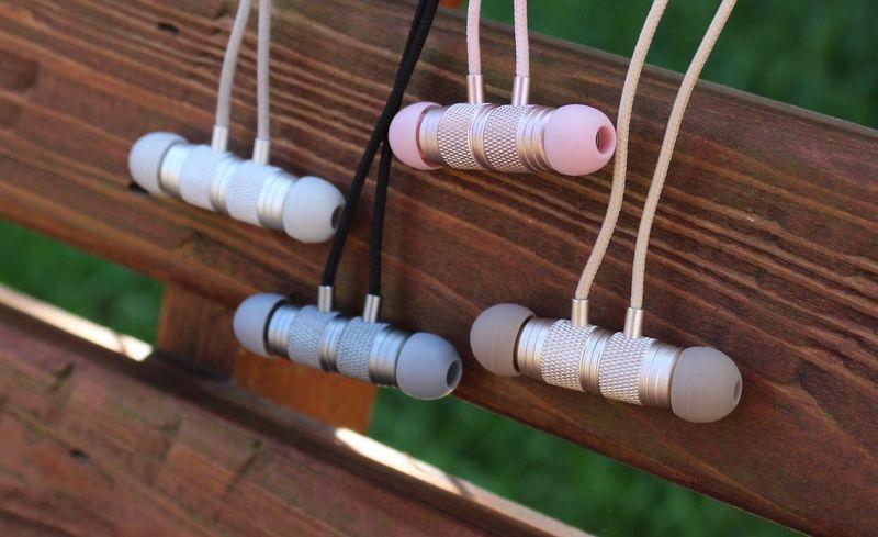 Durable Tangle-Free Headphones