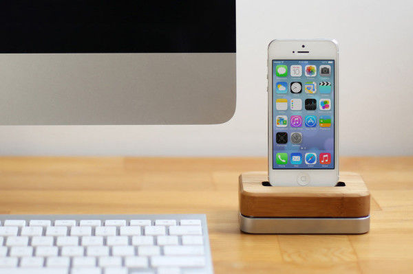 Weighted Wireless Smartphone Docks