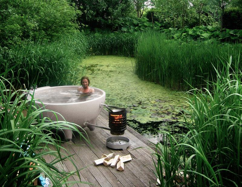 Bowl-Shaped Hot Tubs