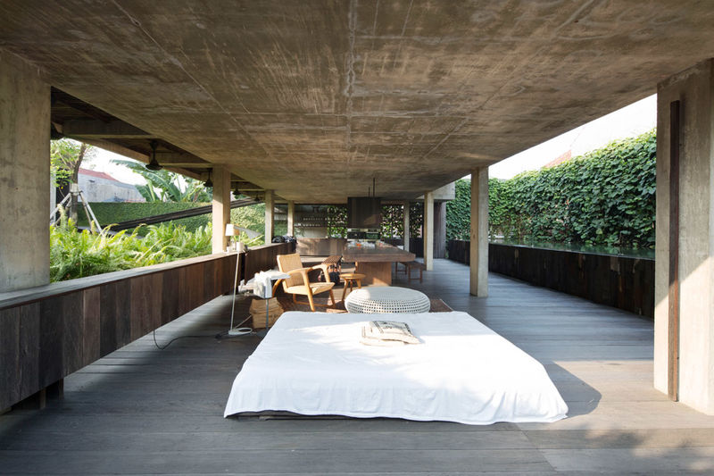 Wall-Free Homes : Wooden House