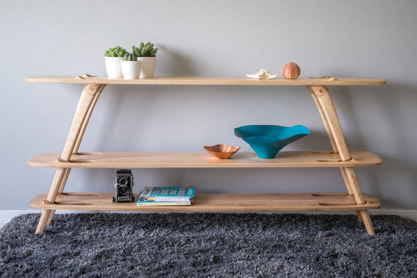 Hardware-Free Wooden Shelves