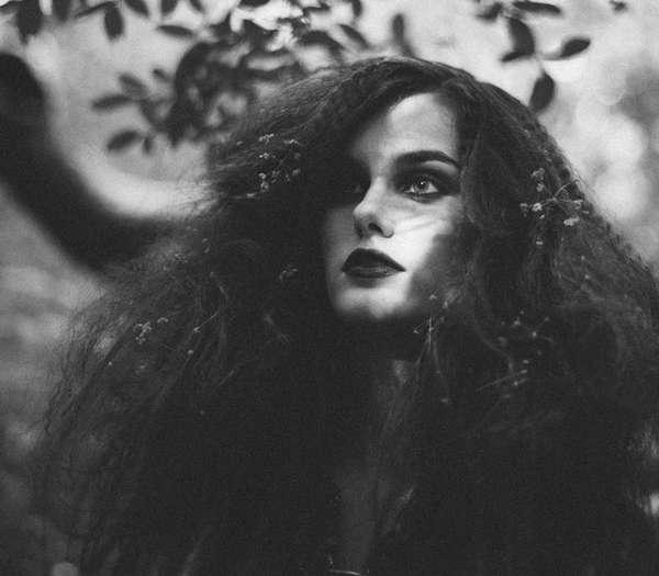 Dark Nymph-Like Photography