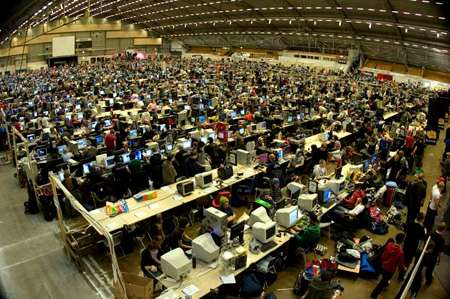 Mega Lan Parties Nerds Set Record For World S Largest Lan