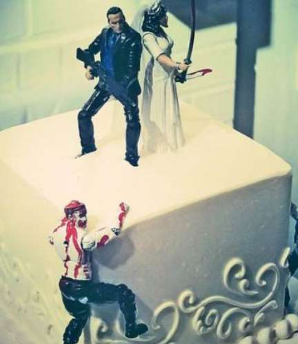 Death-Combatting Couple Cakes