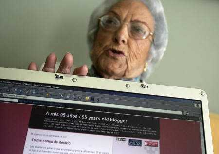Senior Cyber Celeb - 95 Year Old Blogger Has 60,000+ Readers