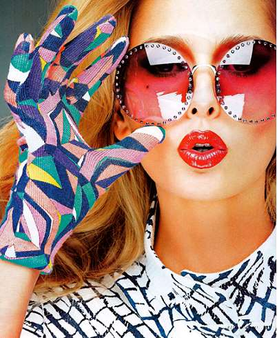 Bright Sunnies Spreads - The Hana Soukupova Elle Italia Editorial Keeps You Shaded in Style