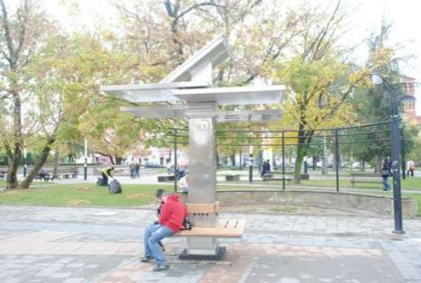 Social Gadget Charging Stations