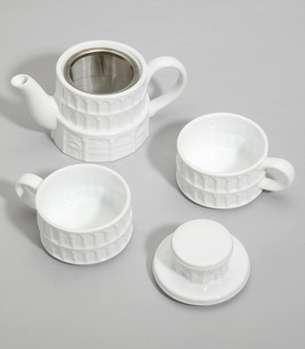 Tilting Landmark Teapots
