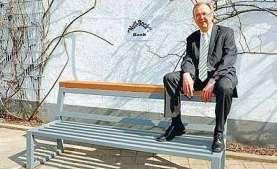 Reversed Public Seating