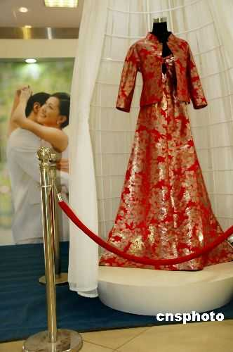 Wedding Gowns as Investment Pieces