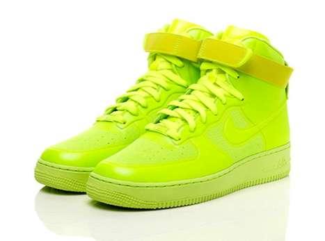 Color-Popped Kicks