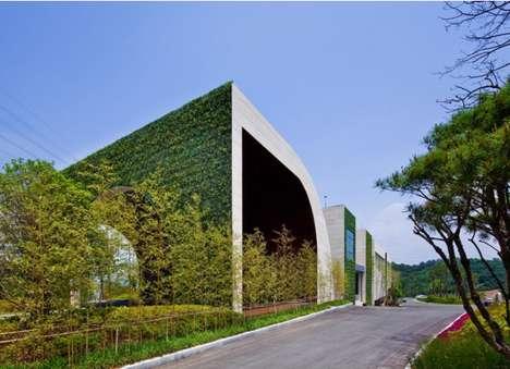 Garden-Clad Clubhouses