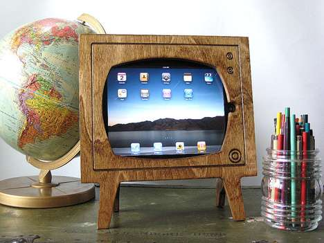 Retro Television iPad Docks - This Natural Wood iPad Dock from Miterbox Brings You Back to the Day