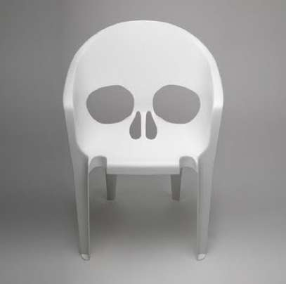 The 'Pool' Skull Chair Gives the Backyard a Boo Factor