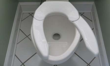 The Adjustable Advantage Toilet Seat Works With Bottoms of Any Size