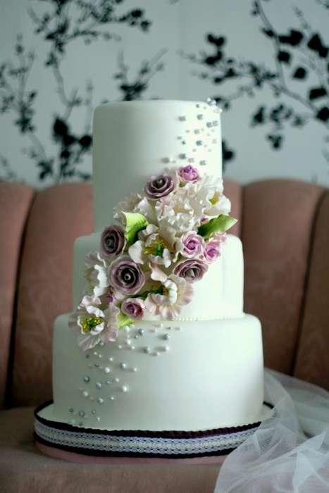 Fashion-Inspired Wedding Cakes