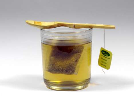 Infusion-Administering Implements - The Fusioon Spoon is the Optimal Tea-Drinking Utensil