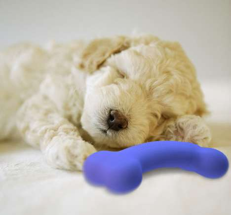 Smelly Pet Playthings - The WithMe Bone by Yunfan Tan Comforts Doggies When Their Owners are Away